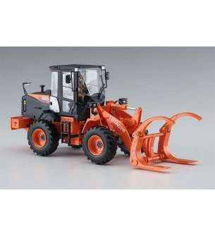 1:35 Hasegawa 66105 Hitachi Wheel Loader ZW100-6 with Log Grapple Working Machine